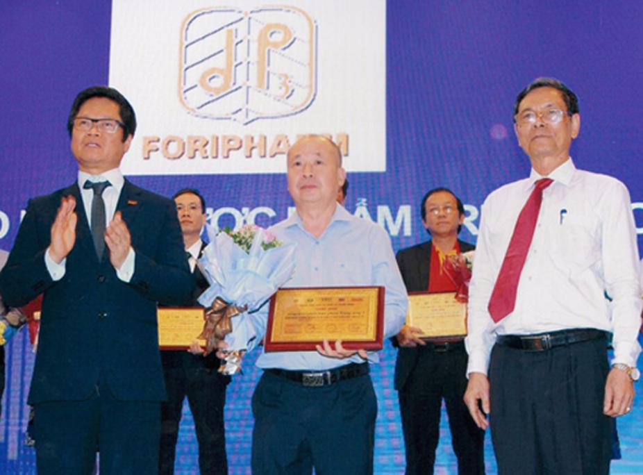 Doanh Nghiệp có năng lực quản trị tài chính tốt nhất sàn chứng khoán Việt Nam 2018 - Vietnam the Best Company. Công ty Cổ Phần Dược Phẩm Trung Ương 3 đã vinh dự nhận được chứng nhận là doanh nghiệp có NĂNG LỰC QUẢN TRỊ TỐT NHẤT ngành DƯỢC, DỤNG CỤ Y TẾ.